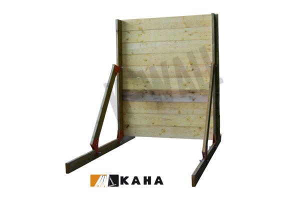 L'obstacle k-wall est une palissade en bois modulable offrant un large choix d'option. En position mur de bois, pour course à obstacles, course type OCR, parcours d'obstacles indoor de type Ninja Warrior