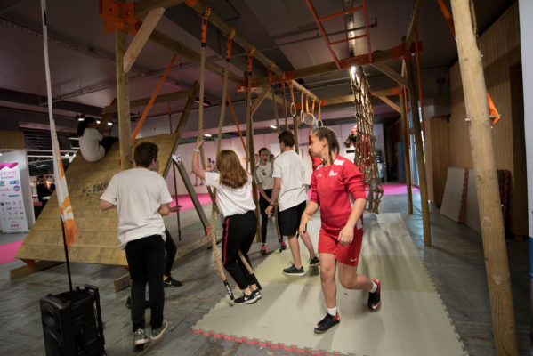 SALON INTERNATIONAL DU SPORT AU FEMININ JUIN 2018 KAHA pour course à obstacles, course type OCR, parcours d'obstacles indoor de type Ninja Warrior K-WALL, MONKEY